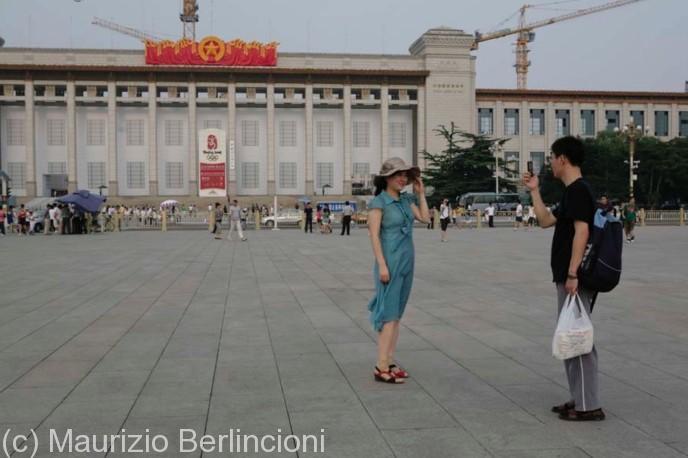 Beijing-piazza-Tien-an-men1-688x458